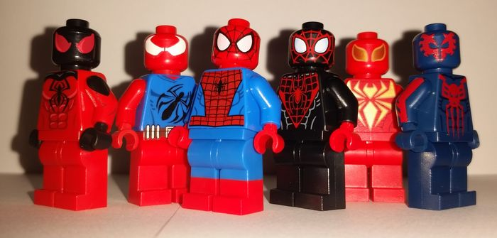 The Spiders Minifigures