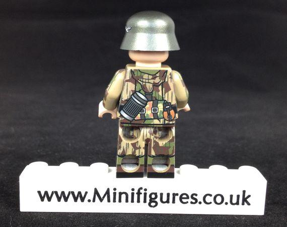 MinifigsRus Fallschirmjager MP40 Soldier Back