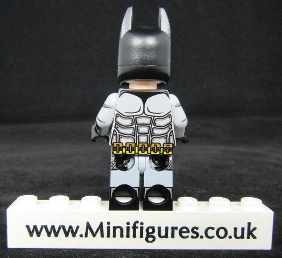Batman Arkham City LeYiLeBrick Custom Minifigure Back