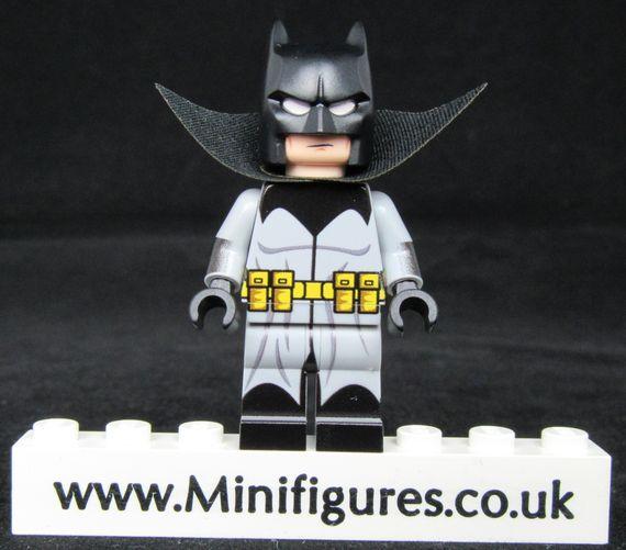 Batman Damian Wayne LeYiLeBrick Custom Minifigure
