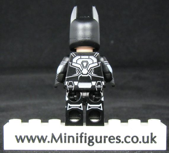 Batman Legend LeYiLeBrick Custom Minifigure Back