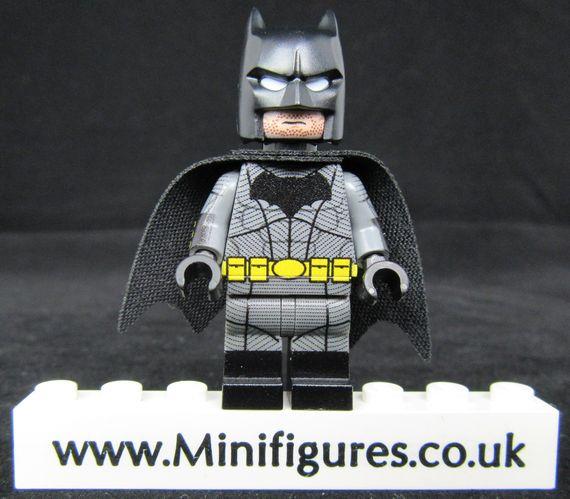 Batman BVS LeYiLeBrick Custom Minifigure