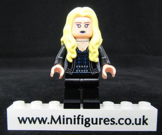 Killer Frost LeYiLeBrick Custom Minifigure