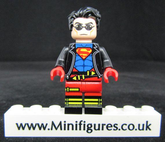 Superboy LeYiLeBrick Custom Minifigure