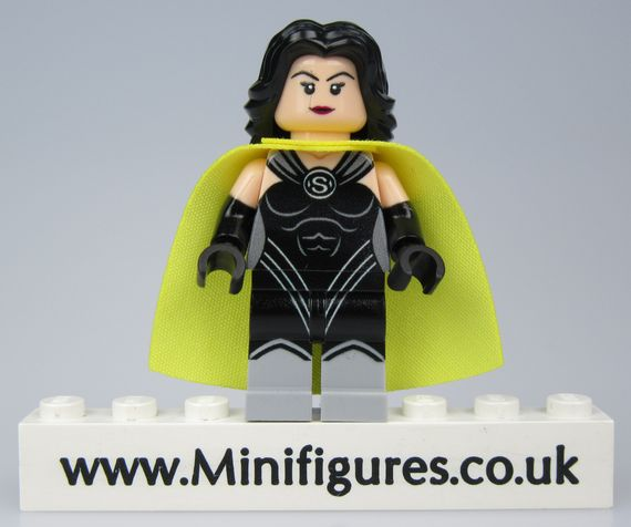Superwoman v2 LeYiLeBrick Custom Minifigure