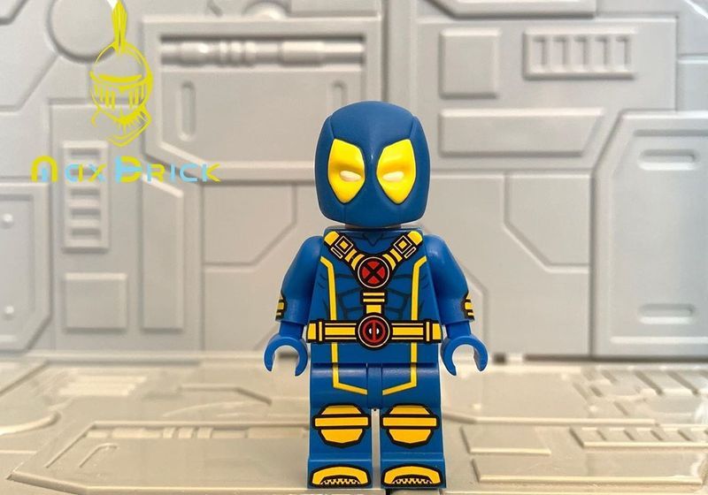 Blue Deadpool MaxBrick Custom Minifigure